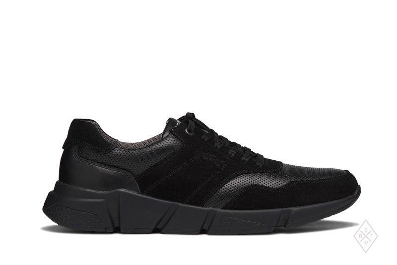 Bastion виробляє чоловіче і жіноче взуття з натуральних матеріалів. Є  моделі зі шкіри та замші c5fe1b41f760c